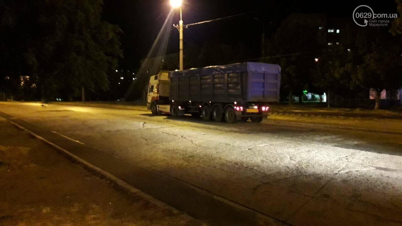 """В Мариуполе длинномер столкнулся с """"Тойотой"""", - ФОТО, фото-2"""
