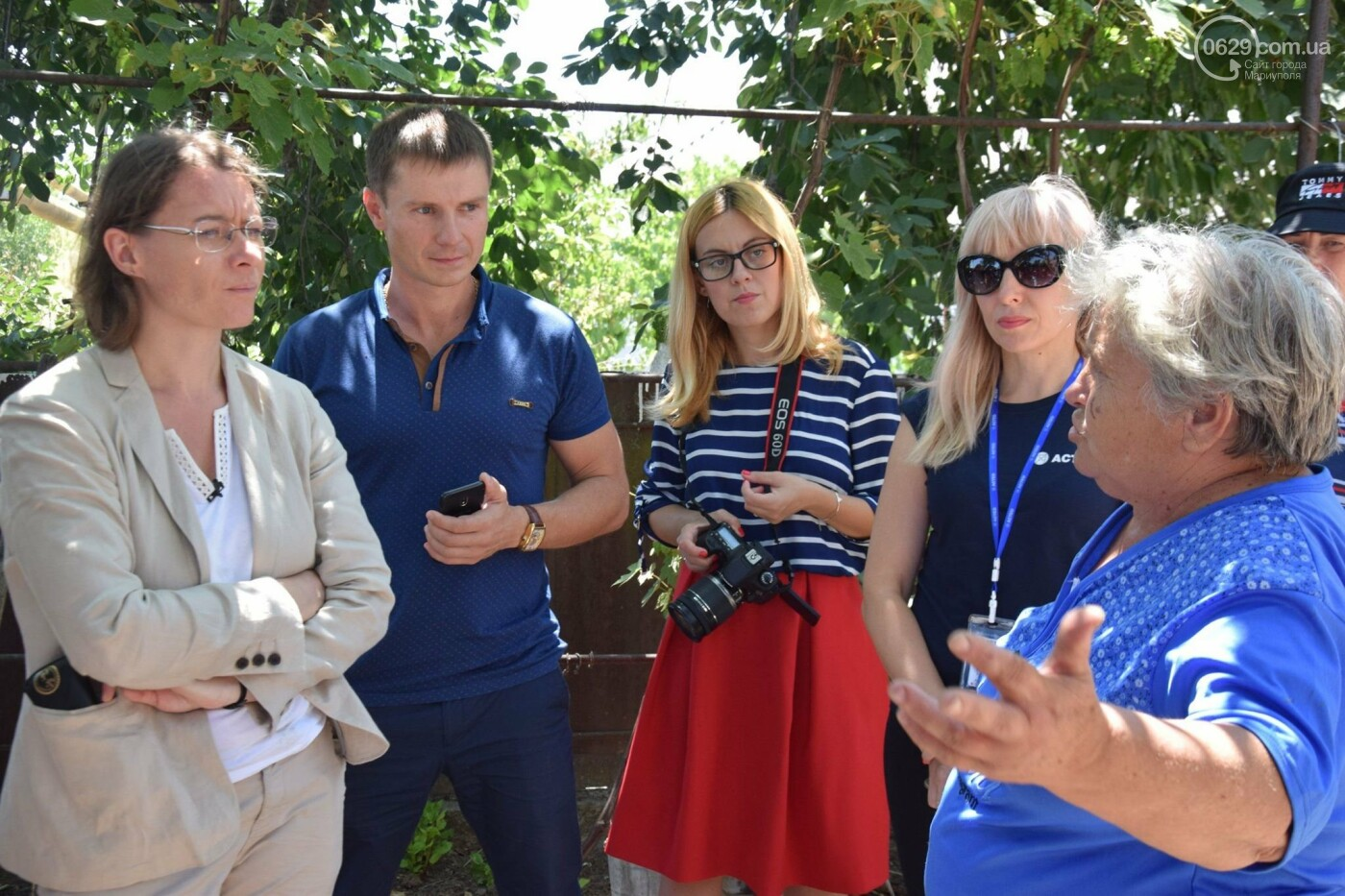 Посол Франции Изабель Дюмон побывала в прифронтовой Талаковке,- ФОТО, ВИДЕО, фото-2