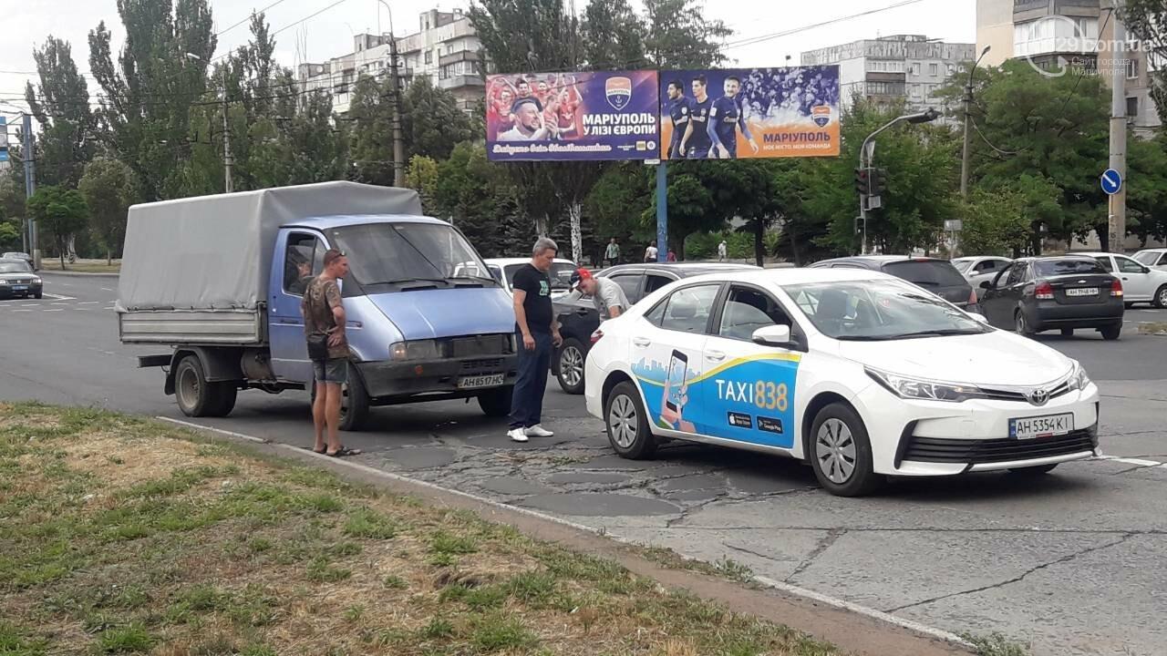 В Мариуполе грузовик догнал такси, - ФОТО, фото-3