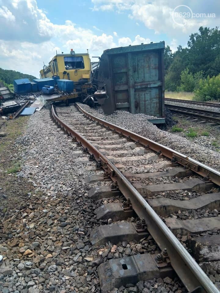 Авария на железной дороге: в Волновахе стоят поезда, следующие из Мариуполя, - ДОПОЛНЕНО ФОТО, фото-4