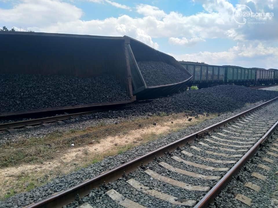 Авария на железной дороге: в Волновахе стоят поезда, следующие из Мариуполя, - ДОПОЛНЕНО ФОТО, фото-2