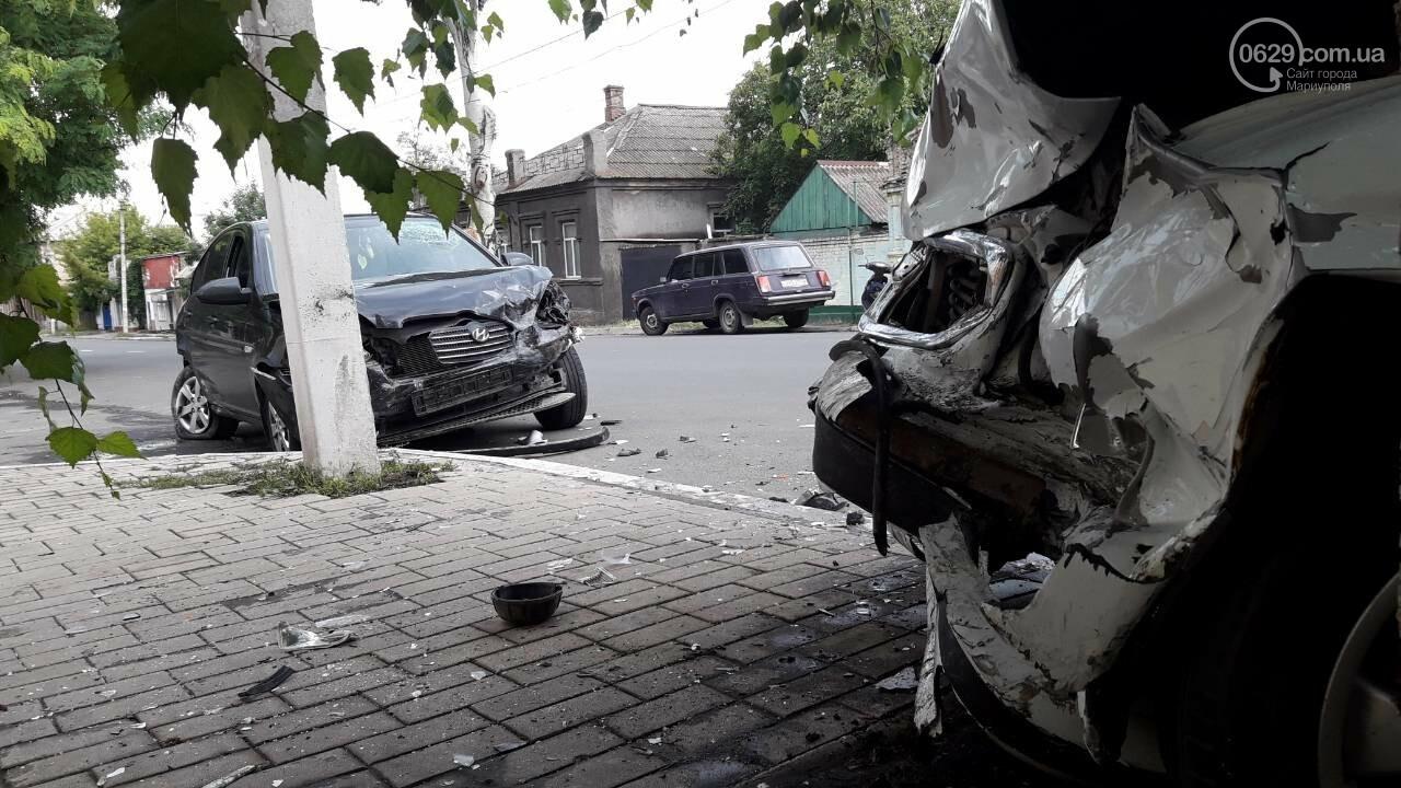 В Мариуполе лоб в лоб столкнулись Волга и Hyundai. Есть пострадавший, - ФОТО, фото-8