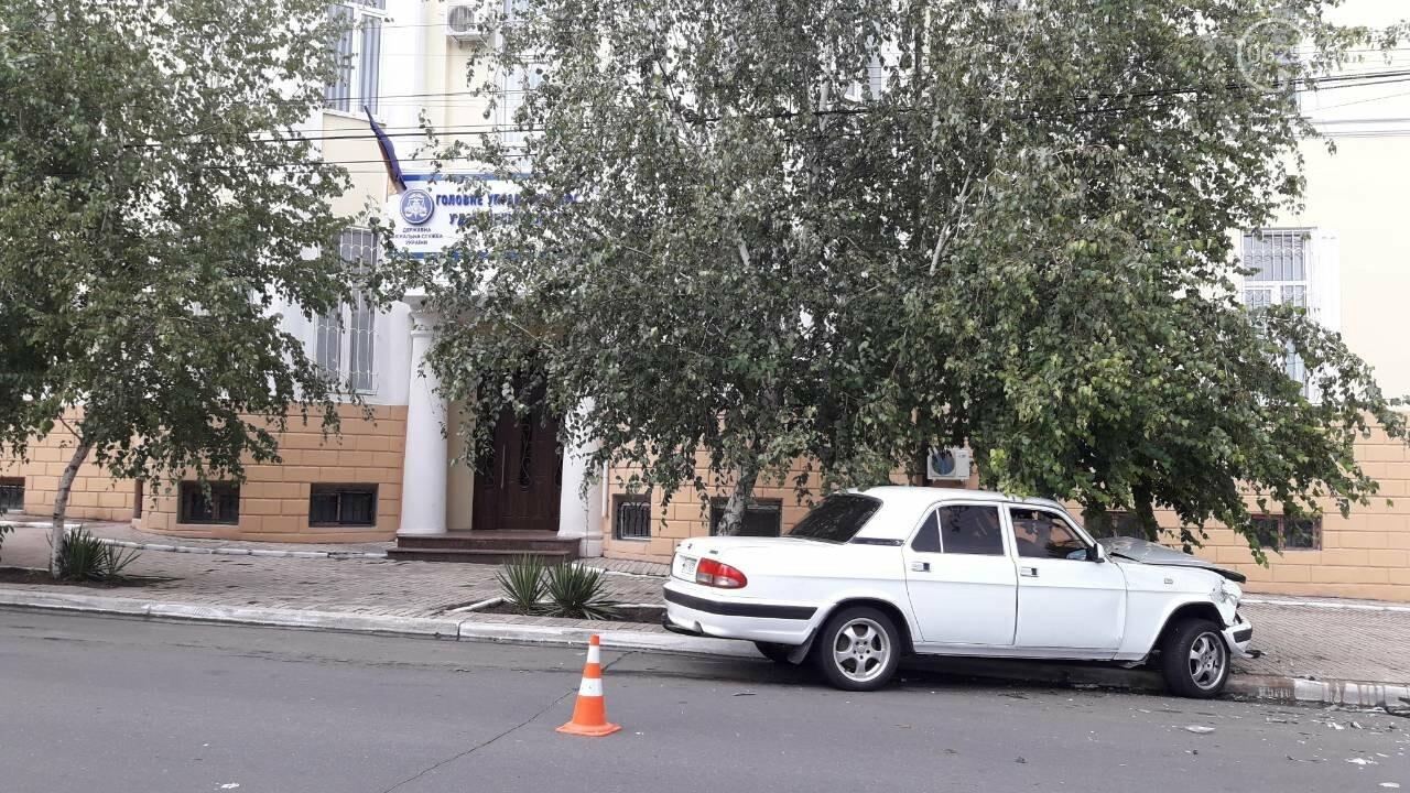 В Мариуполе лоб в лоб столкнулись Волга и Hyundai. Есть пострадавший, - ФОТО, фото-7