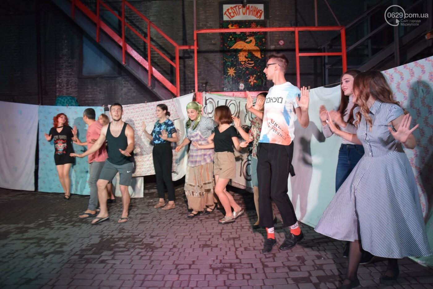 В Мариуполе киевский шоумэн Вячеслав Соломка стал маменькиным  сыночком,- ФОТО, ВИДЕО, фото-8