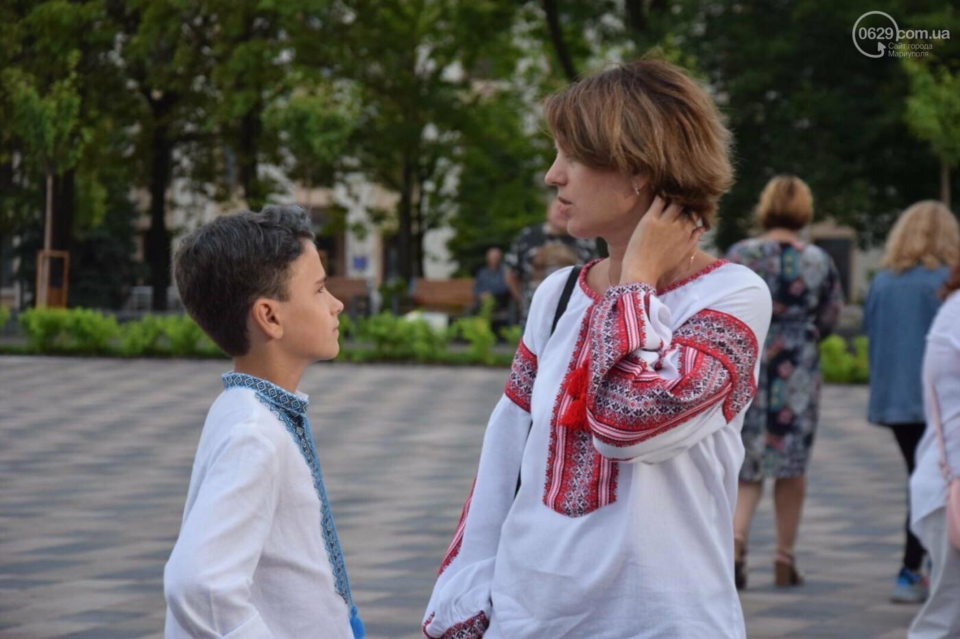 В Мариуполе радостно встретили Закон об украинском языке, - ФОТО, фото-16
