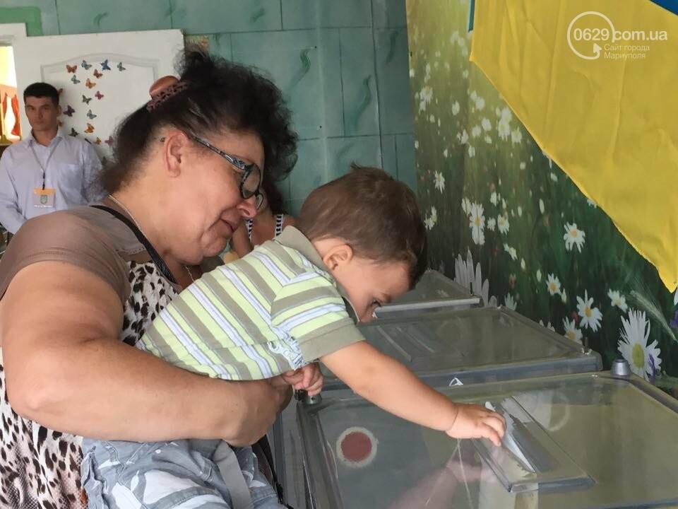 Как бабушки и дедушки будущее Украины выбирали, пока молодежь загорала на пляже, - ФОТОРЕПОРТАЖ, фото-17