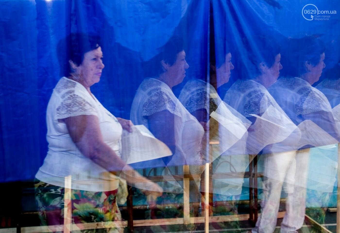 Как бабушки и дедушки будущее Украины выбирали, пока молодежь загорала на пляже, - ФОТОРЕПОРТАЖ, фото-4