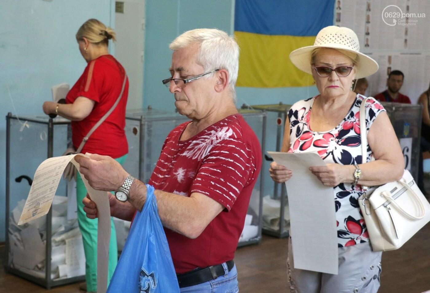 Как бабушки и дедушки будущее Украины выбирали, пока молодежь загорала на пляже, - ФОТОРЕПОРТАЖ, фото-10