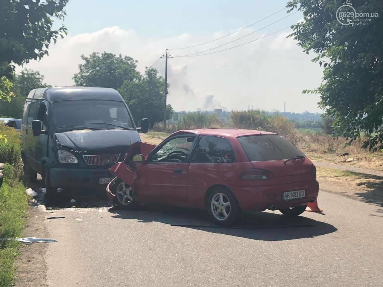 В Мариуполе Mitsubishi столкнулась с Газелью. Пострадал мужчина, - ФОТО, фото-2