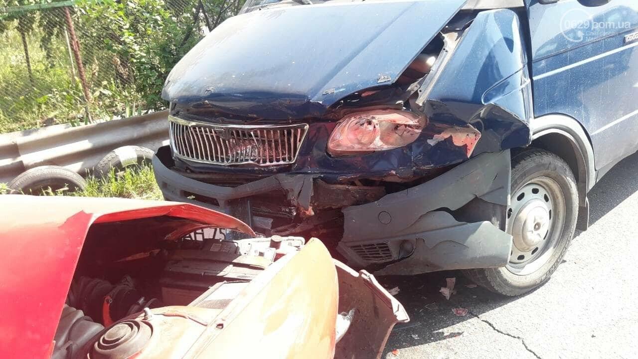 В Мариуполе Mitsubishi столкнулась с Газелью. Пострадал мужчина, - ФОТО, фото-5