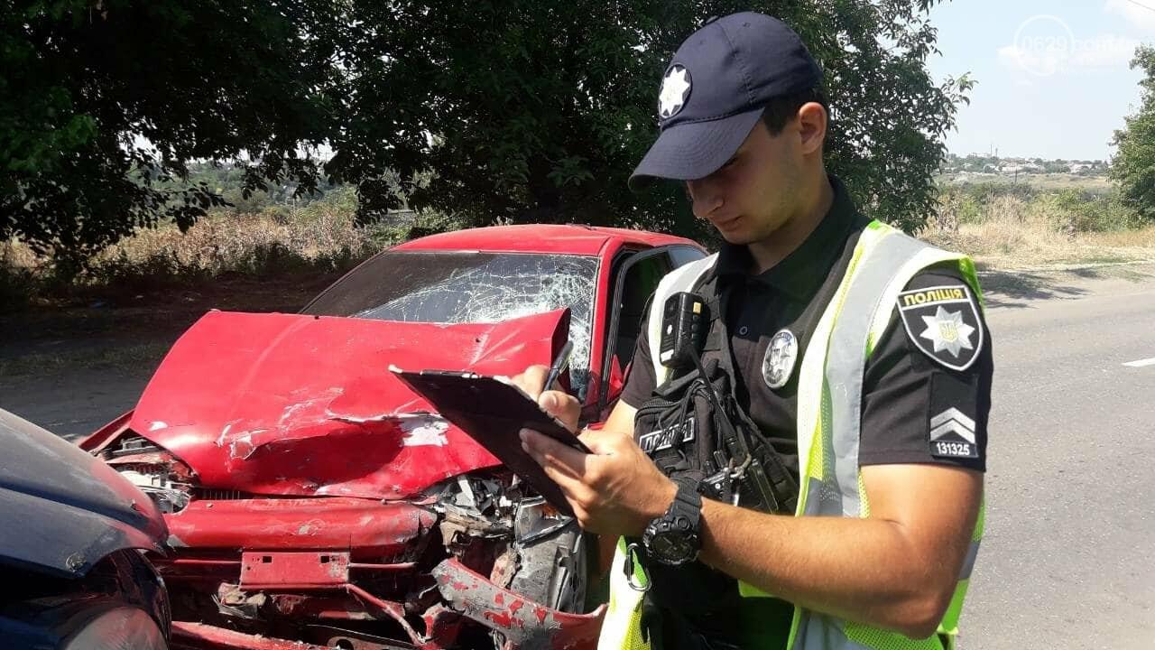 В Мариуполе Mitsubishi столкнулась с Газелью. Пострадал мужчина, - ФОТО, фото-3