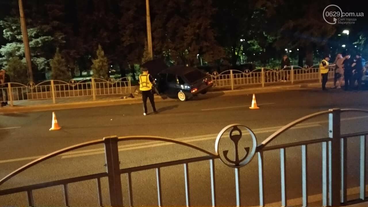 """В Мариуполе """"девятка"""" врезалась в ограждение Театрального сквера, - ФОТО, фото-3"""