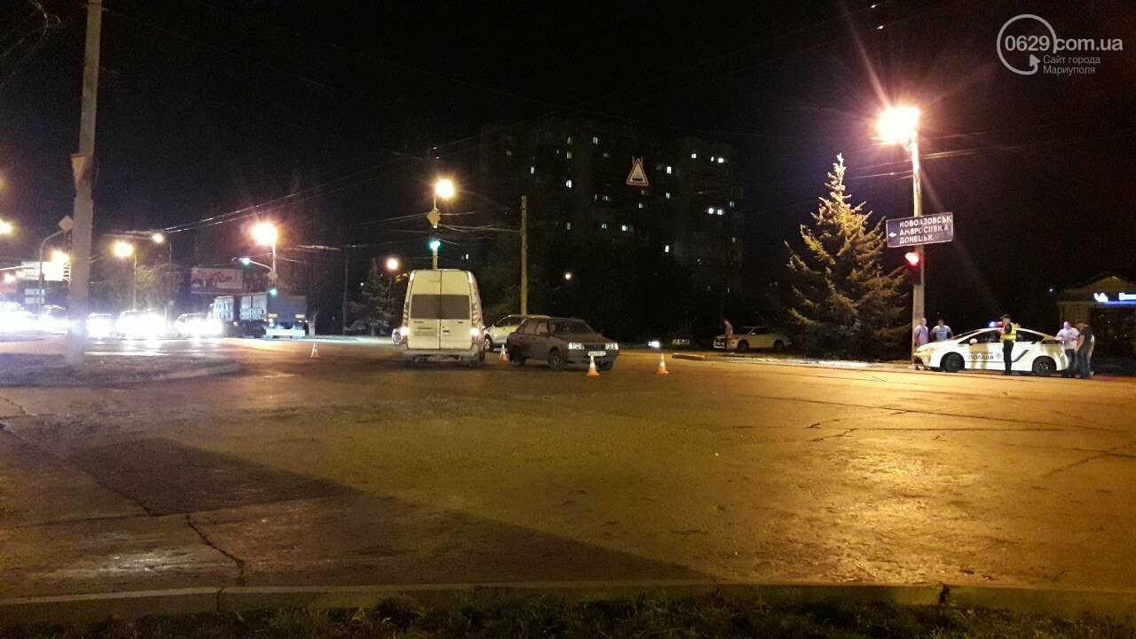 В Мариуполе микроавтобус столкнулся с ВАЗ, - ФОТО, фото-8