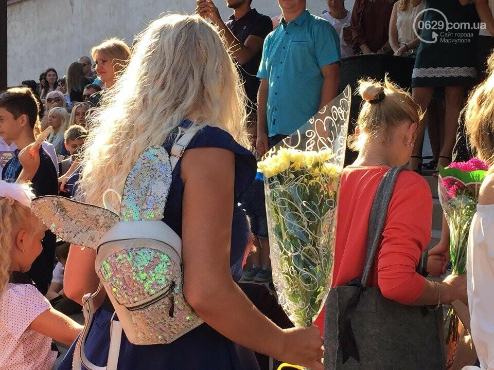 Первое сентября в Мариуполе: 23 лучших фотографии сегодняшнего дня, фото-7