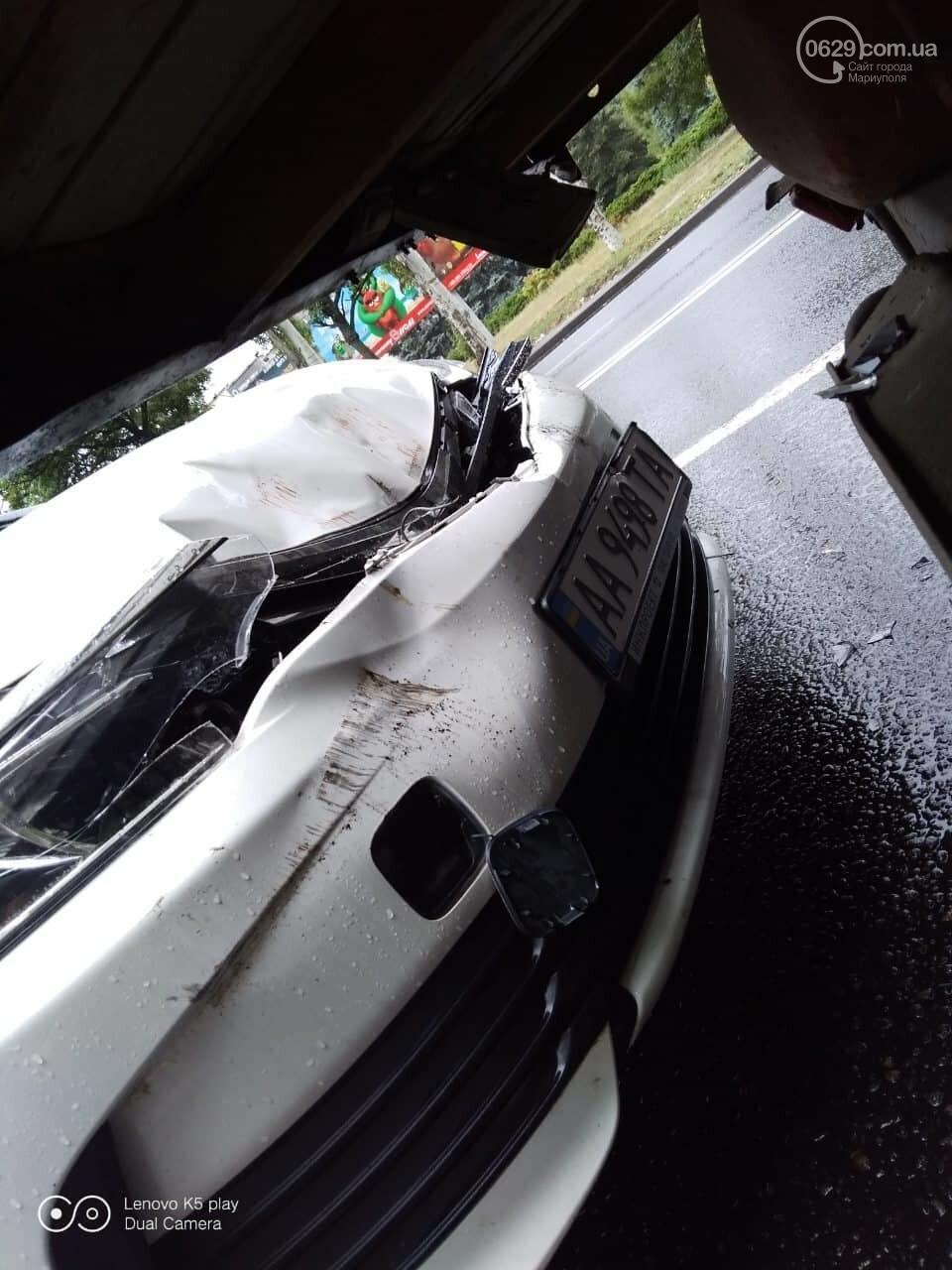 """В Мариуполе на скользской дороге иномарка столкнулась в """"Газелью"""", - ФОТО, фото-4"""