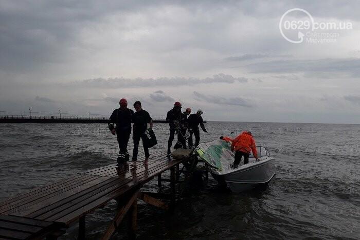 Мариупольские спасатели вытянули на берег попавшего в шторм серфингиста,- ФОТО, фото-1