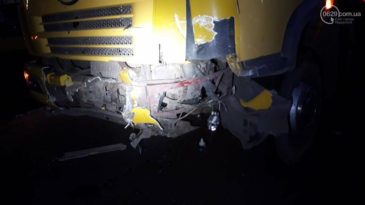 На выезде из Мариуполя Daewoo столкнулся с длинномером, - ФОТО, фото-2