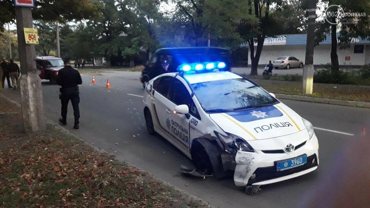 """В Мариуполе автомобиль с военными столкнулся с патрульной """"Тойотой"""", - ФОТО, ВИДЕО, фото-2"""