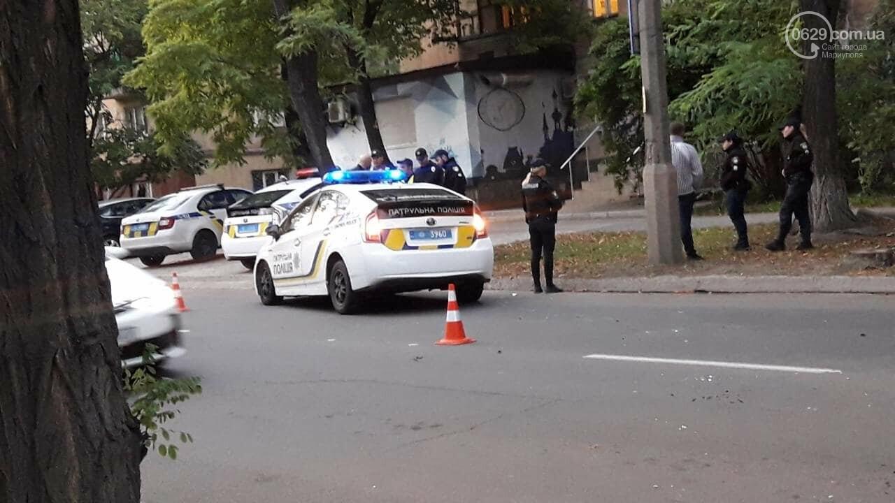 """В Мариуполе автомобиль с военными столкнулся с патрульной """"Тойотой"""", - ФОТО, ВИДЕО, фото-5"""