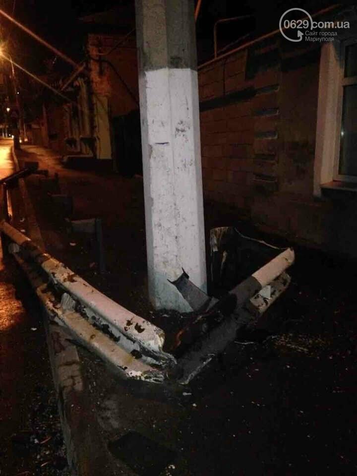 """В Мариуполе """" Газель """" врезалась в жилой дом и развалила стену,- ФОТО, ВИДЕО, фото-4"""