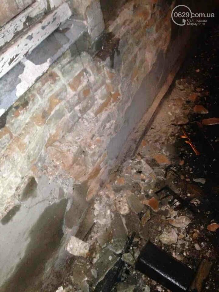 """В Мариуполе """" Газель """" врезалась в жилой дом и развалила стену,- ФОТО, ВИДЕО, фото-6"""