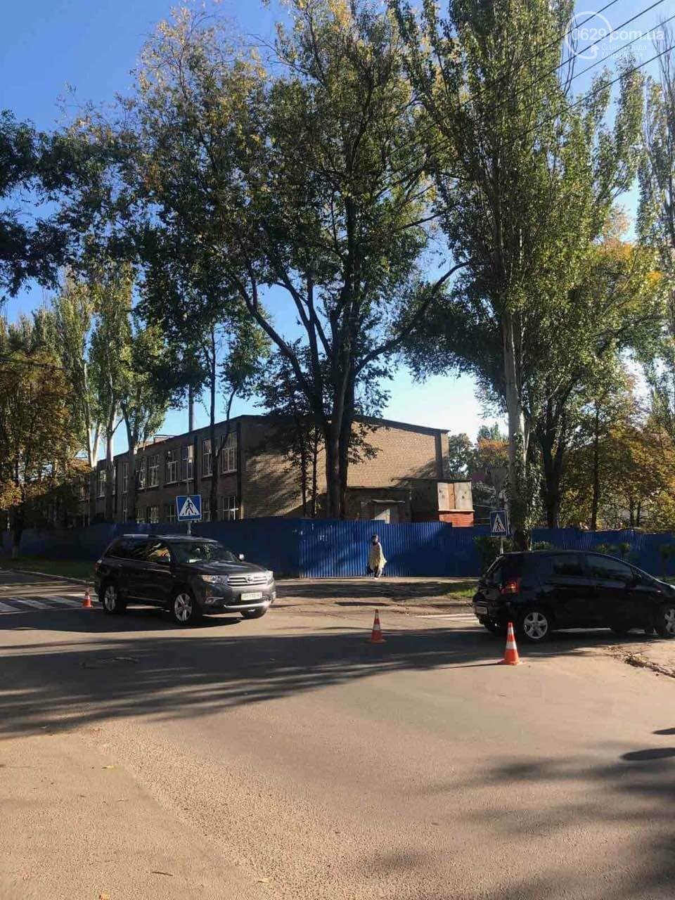 """В Приморском районе Мариуполя столкнулись две """"Тойоты"""", - ФОТО, фото-1"""