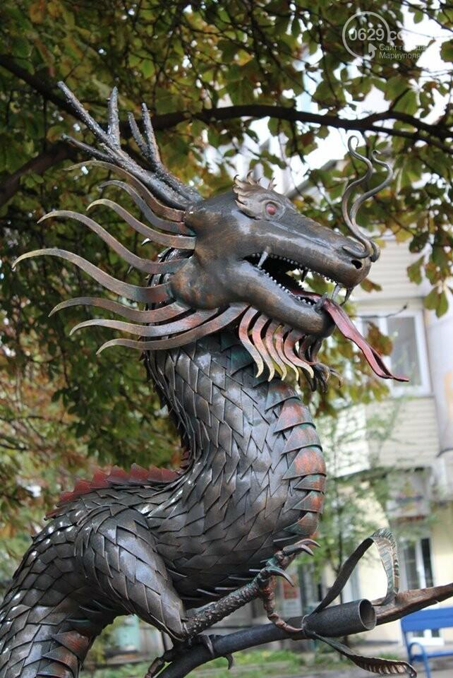 Где прописались ворон, дракон и конь после того, как их выковали в Мариуполе,- ФОТО, фото-1