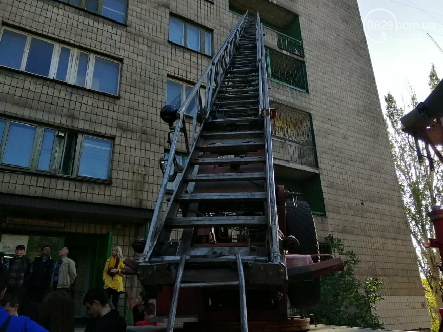 Студентов ПГТУ  в Мариуполе срочно эвакуировали из общежития спасатели,- ФОТО, фото-3