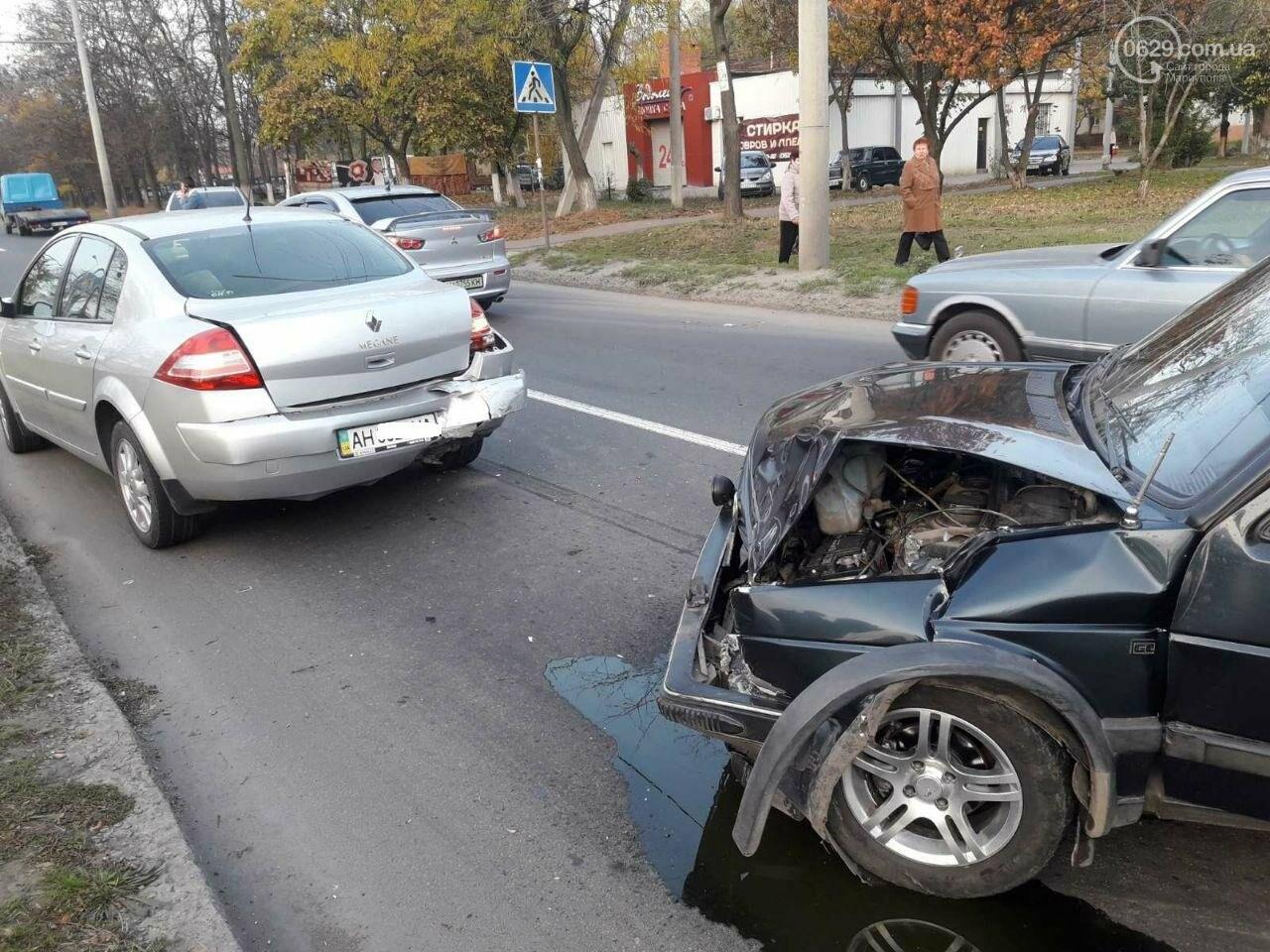 """Тройное ДТП возле """"ПортСити"""" в Мариуполе. Один из водителей покинул место аварии, - ФОТО, ВИДЕО, фото-4"""