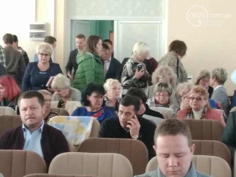 В Мариуполе стартовала сессия горсовета,- ФОТО, ВИДЕО ОН-ЛАЙН, фото-1
