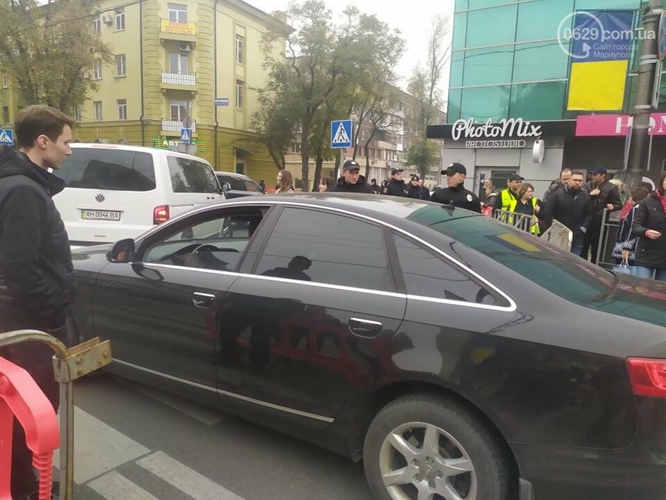 Из-за форума центр Мариуполя перекрыт полицией, - ФОТО, фото-23