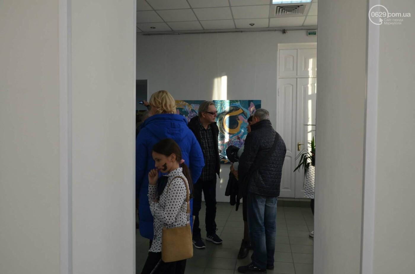 Золото на черном. Мариупольская  художница  Оксана Гнатышин  представила картины в авангардном стиле,-   ФОТО, фото-8