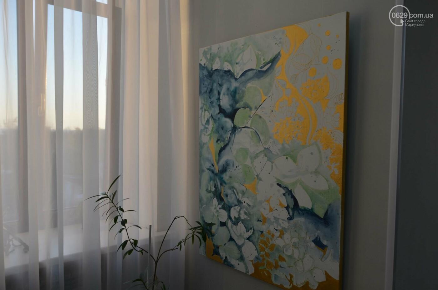 Золото на черном. Мариупольская  художница  Оксана Гнатышин  представила картины в авангардном стиле,-   ФОТО, фото-2