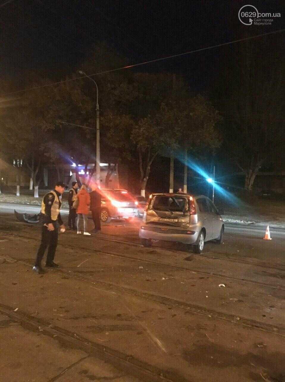 В Мариуполе трамвай протаранил иномарку, - ФОТО, фото-2