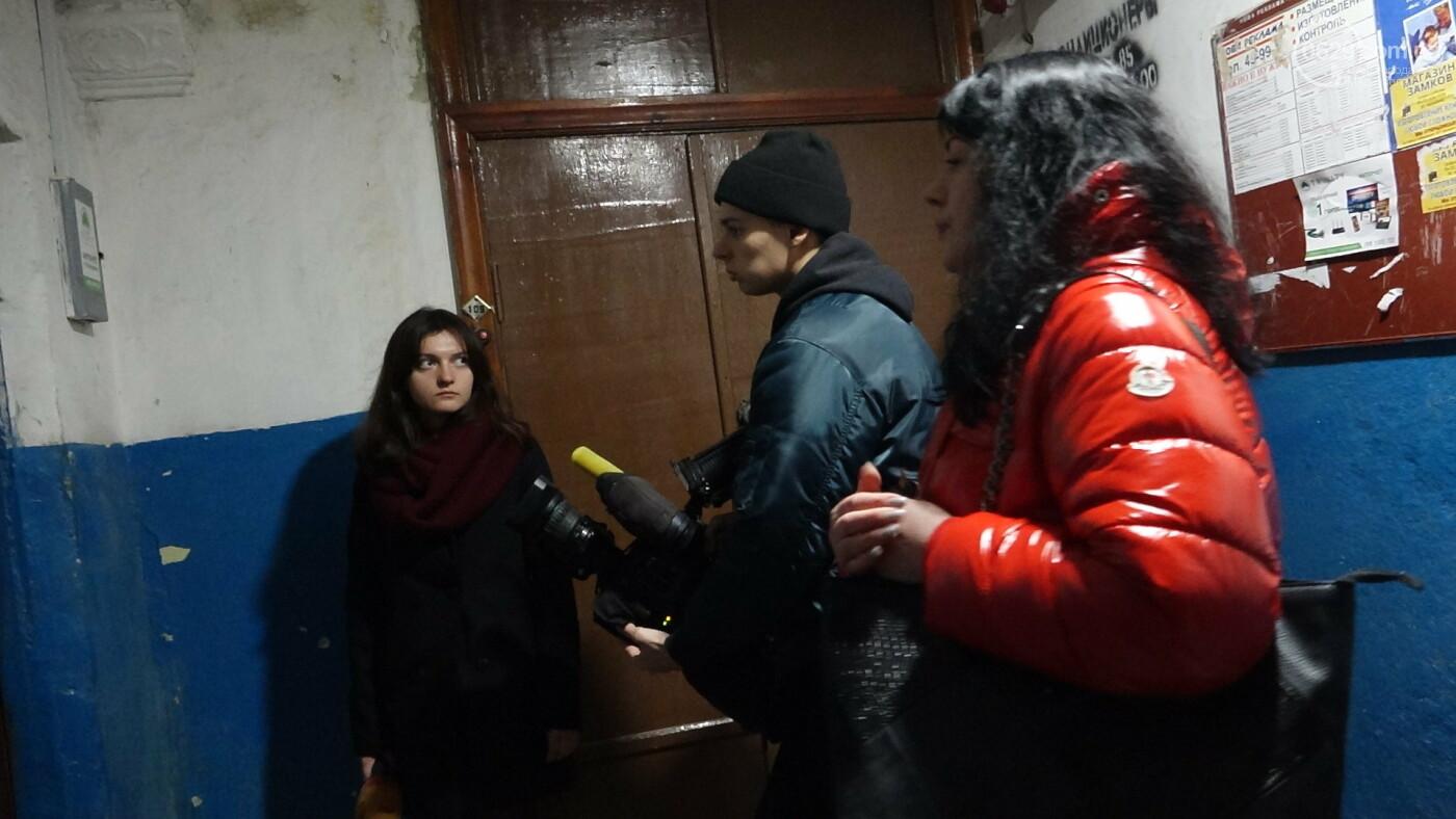 В Мариуполе семья с овчаркой терроризирует многоэтажку, - ФОТО, фото-8