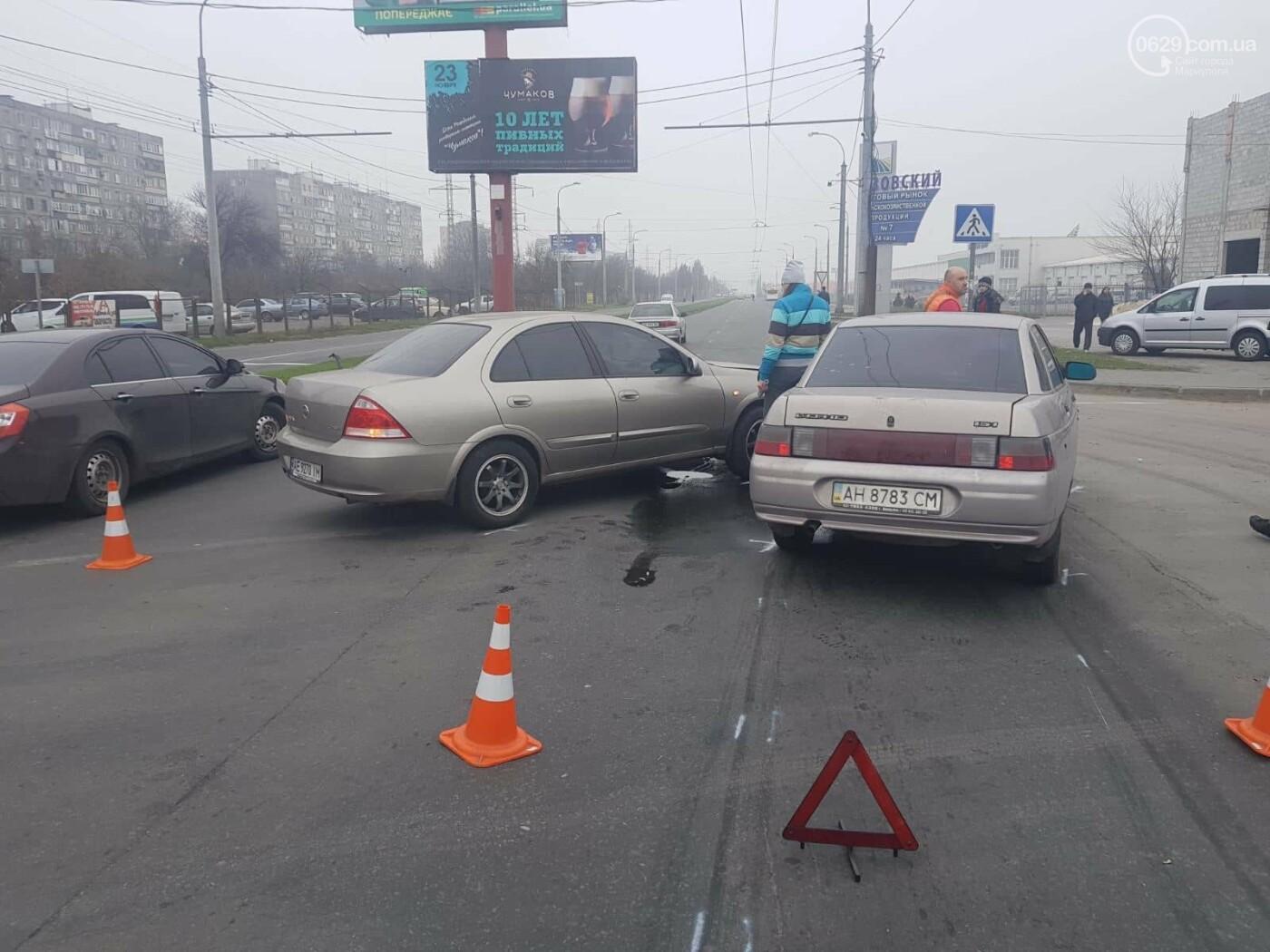 "В Мариуполе столкнулись ""Лада"" и ""Ниссан"", - ФОТО, фото-3"