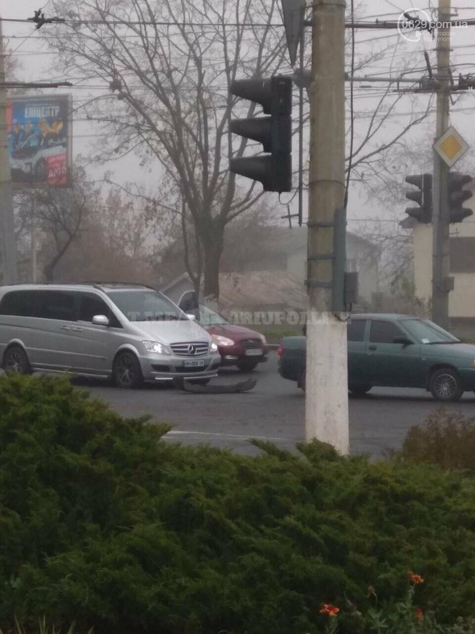 В Мариуполе столкнулись авто, - ФОТО, фото-1