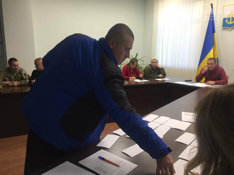 В Мариуполе раздали земельные участки участникам АТО, фото-1