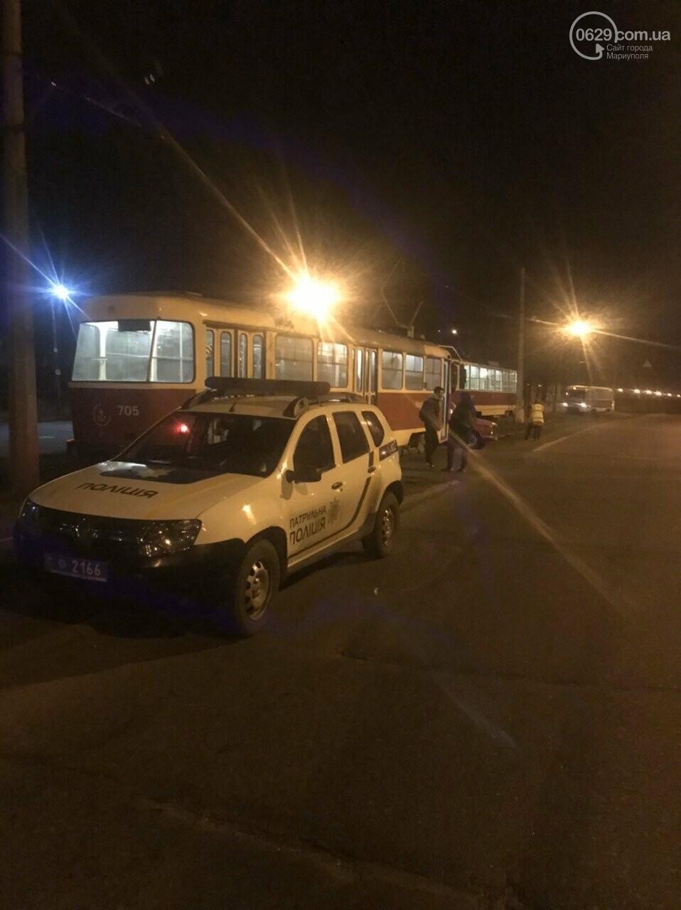 В Мариуполе «Москвич» столкнулся с трамваем, - ФОТО, фото-4