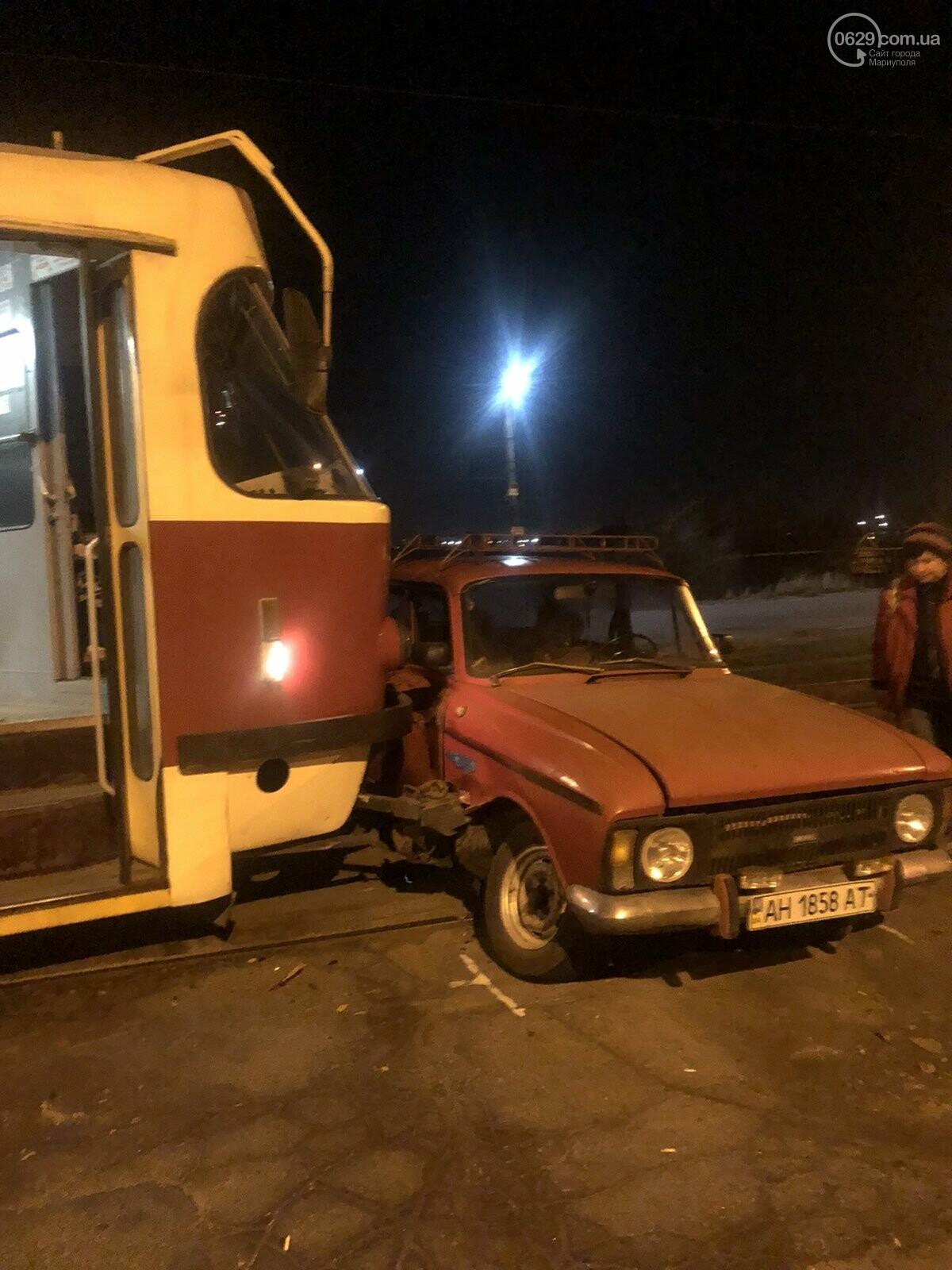 В Мариуполе «Москвич» столкнулся с трамваем, - ФОТО, фото-3