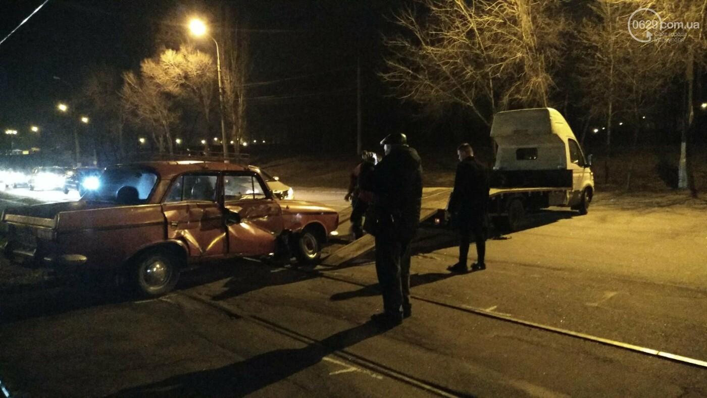 В Мариуполе «Москвич» столкнулся с трамваем, - ФОТО, фото-12