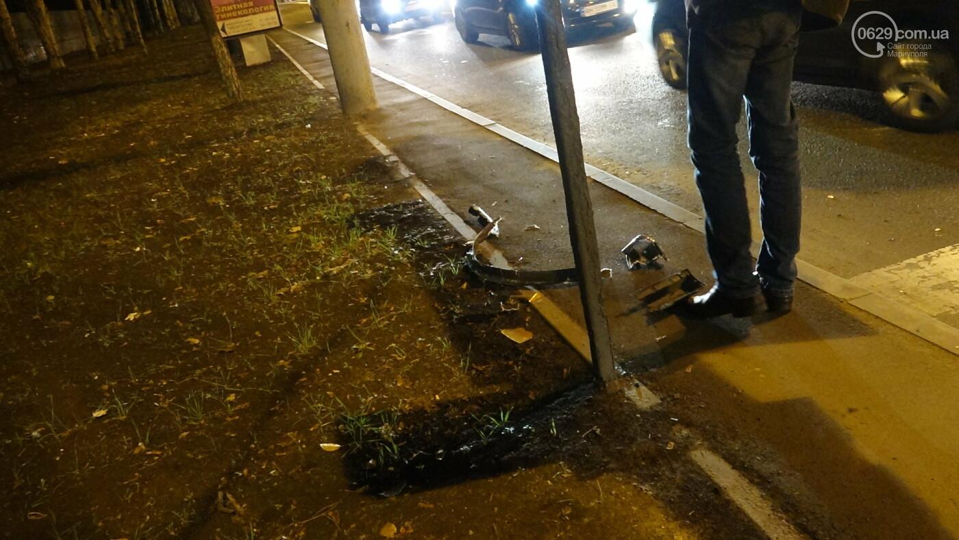 В Мариуполе на перекрестке «Мерседес» зацепил маршрутку, - ФОТО, фото-14