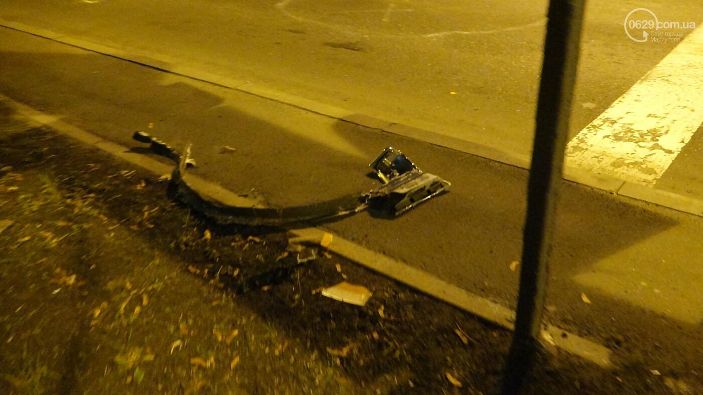 В Мариуполе на перекрестке «Мерседес» зацепил маршрутку, - ФОТО, фото-15