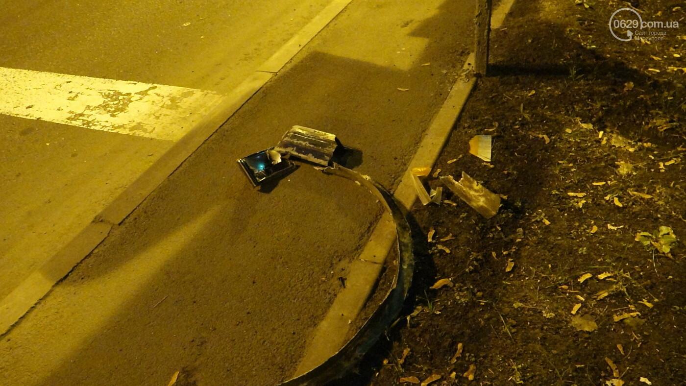 В Мариуполе на перекрестке «Мерседес» зацепил маршрутку, - ФОТО, фото-16