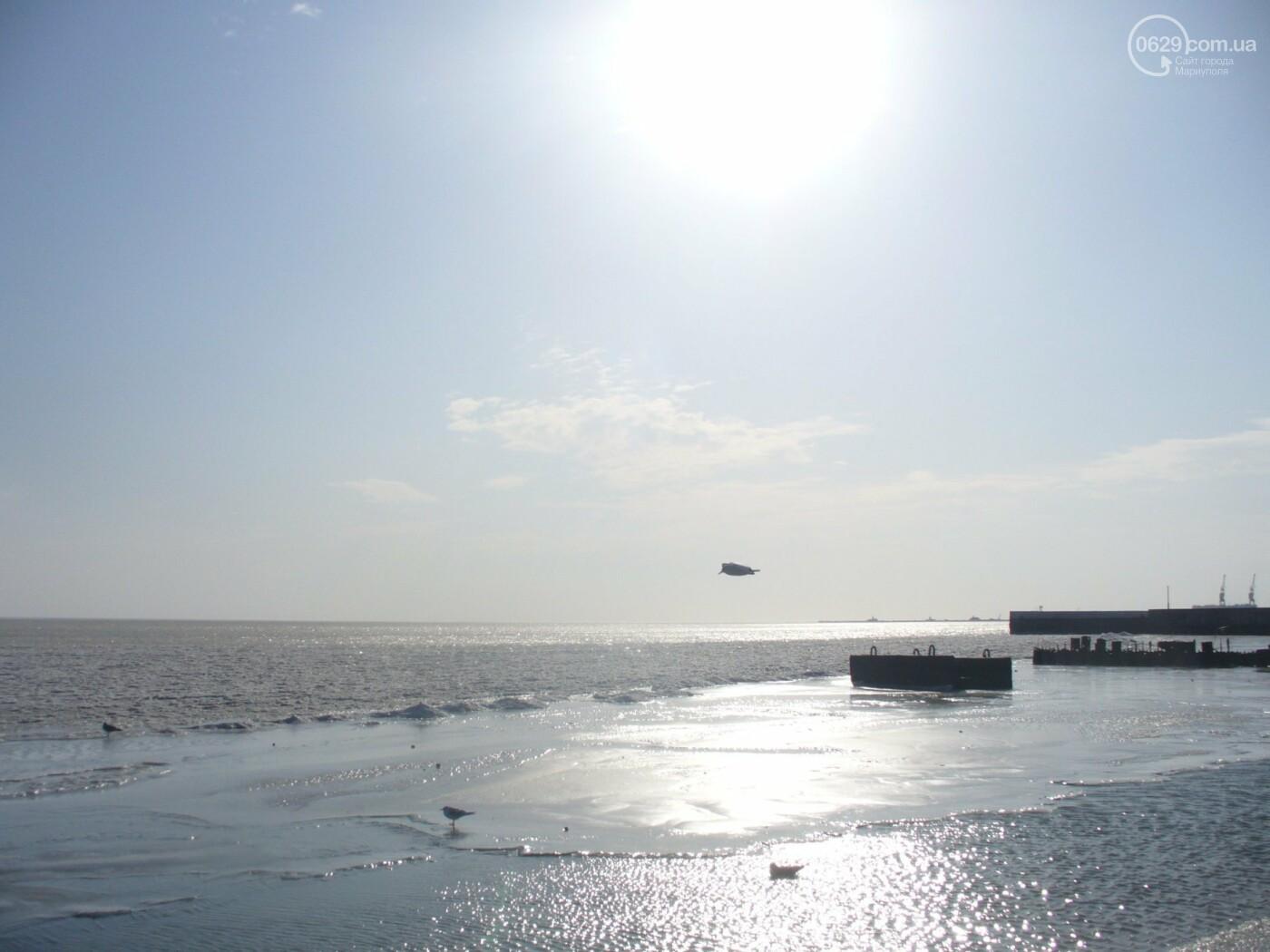 Замерзшее море: мариупольцы купались и выходили на лед, фото-3