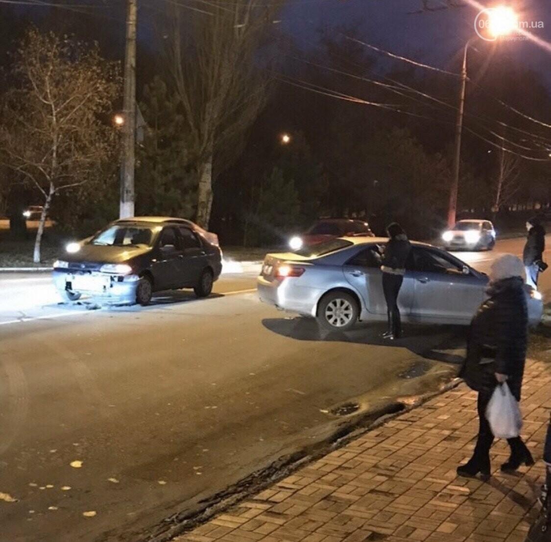 Водители, будьте внимательнее! В Мариуполе произошло два ДТП, - ФОТО, фото-1