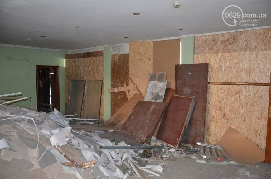 Реконструкцию сгоревшего городского совета в Мариуполе опять перенесли. Теперь на 2020 год, - ФОТО, фото-1