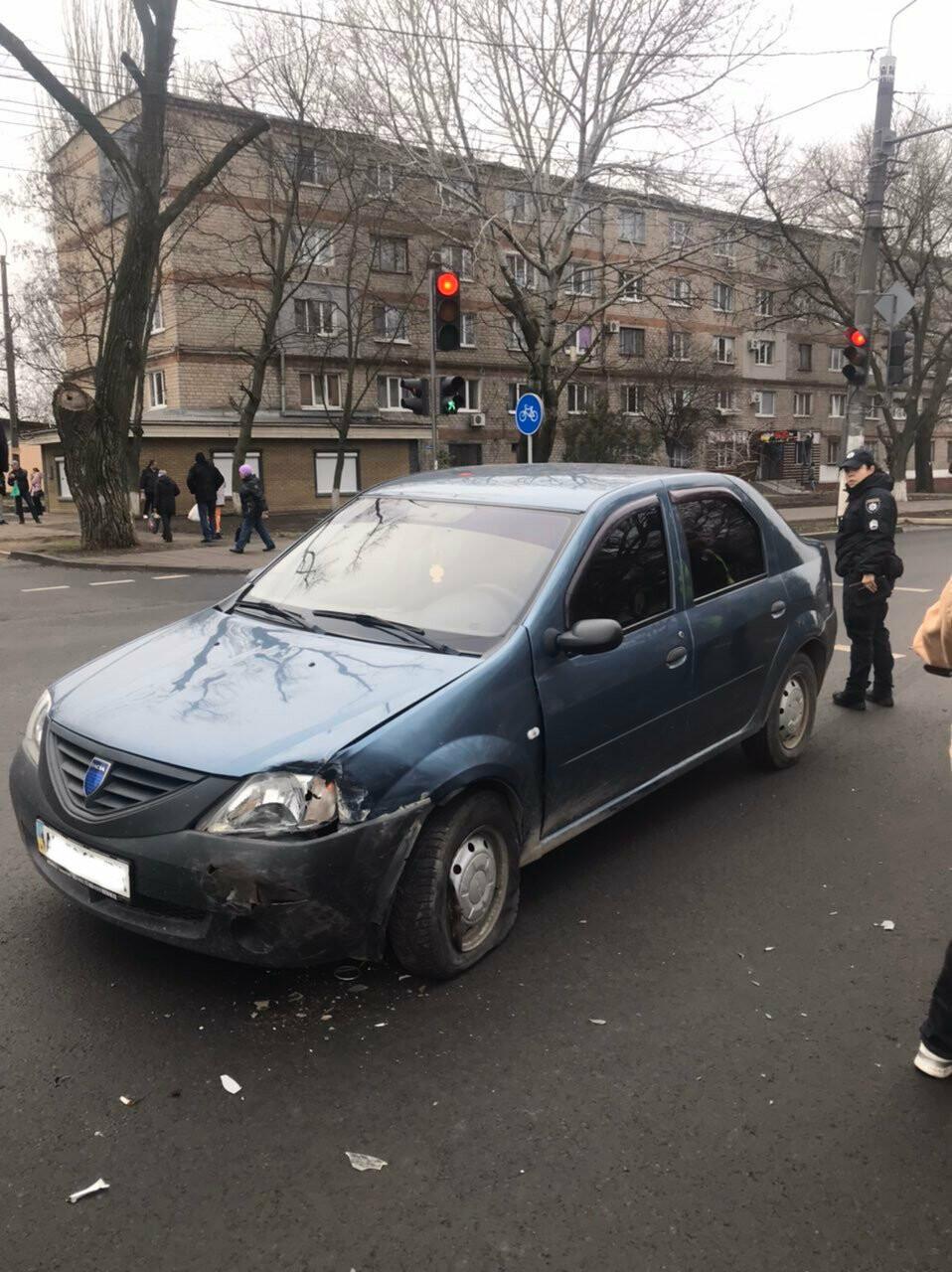 В Мариуполе еще один автомобиль влетел в столб, - ФОТО, фото-3
