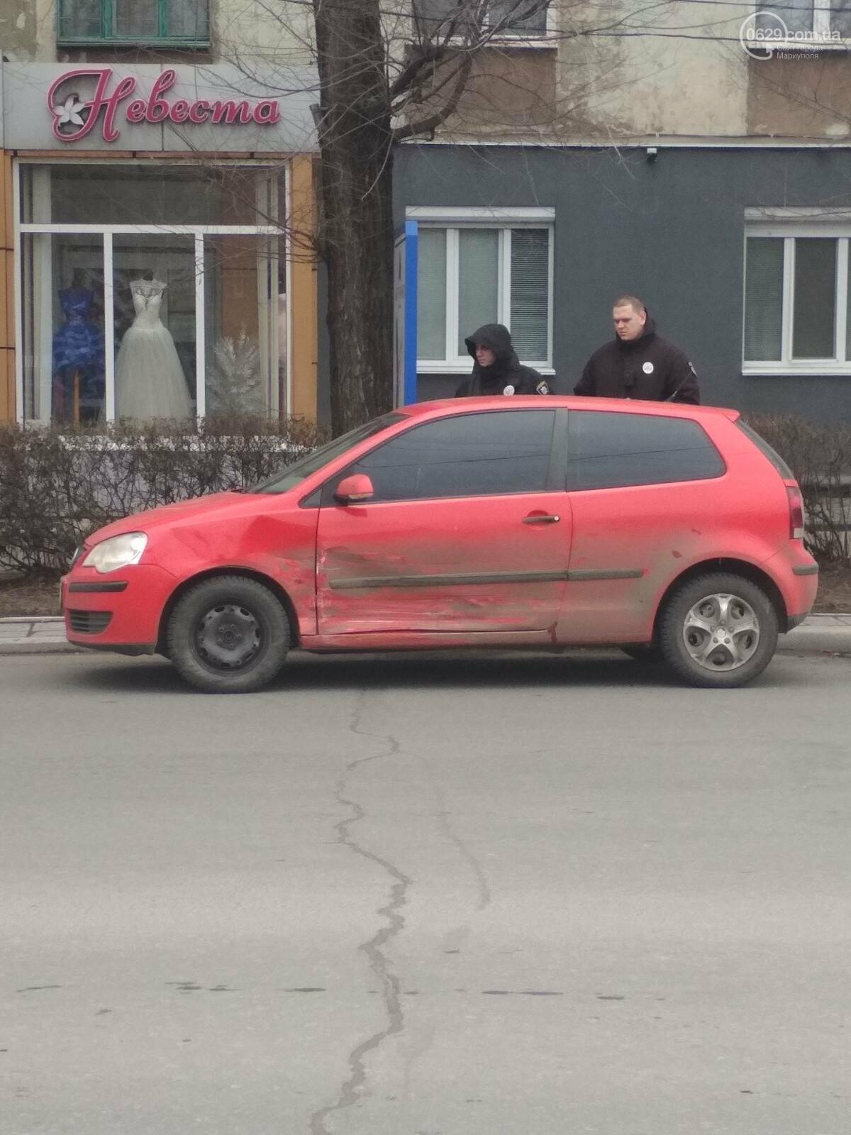Водитель пытался проскочить на красный? В Мариуполе не поделили перекресток два авто, - ФОТО, фото-2