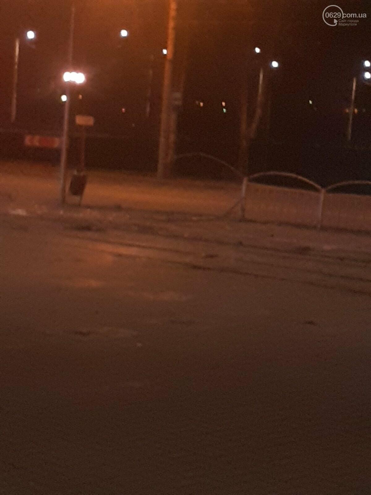 """В Мариуполе пьяная женщина на """"Ланосе"""" снесла ограждение на ул. Набережной, -  ФОТО, фото-6"""